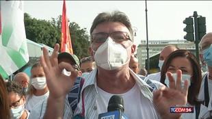 """Whirlpool, dipendenti a Roma: """"Vogliamo lavorare, stop a licenziamenti"""""""