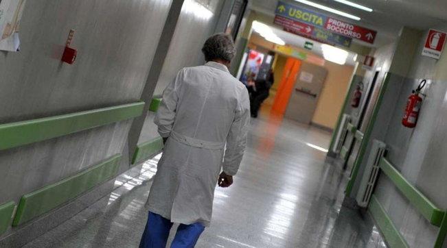 Vaccino Covid, in Italia sono 728 i medici sospesi perché non immunizzati