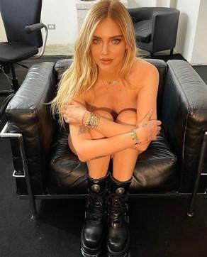 Chiara Ferragni ancora tutta nuda: indovinate cosa sta pensando