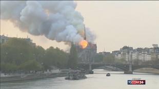 Parigi, via le impalcature: Notre-Dame messa in sicurezza