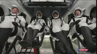 """SpaceX, tornati sulla Terra i primi """"turisti spaziali"""""""