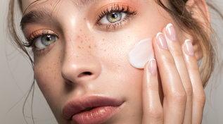 Beauty tips, skincare autunno 2021: i nuovi trattamenti anti-età e pulizia viso