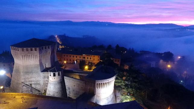 Le Marche tra panorami e castelli
