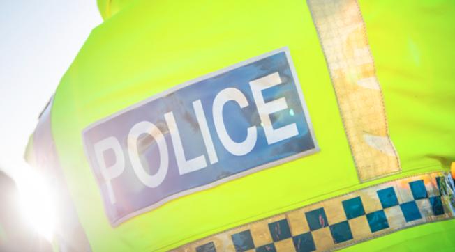 Gb, ignorano le chiamate urgenti per fare sesso nell'auto di servizio: due poliziotti costretti a dimettersi