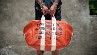 Manikomio Dsgn. L'Aviator's Kit Bag diventa urban-chic