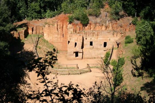 Toscana magica: storia e natura a Costa degli Etruschi