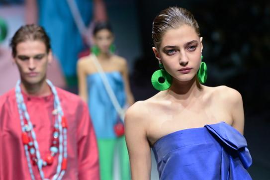 Milano Fashion Week, Emporio Armani: i look della sfilata per i 40 anni