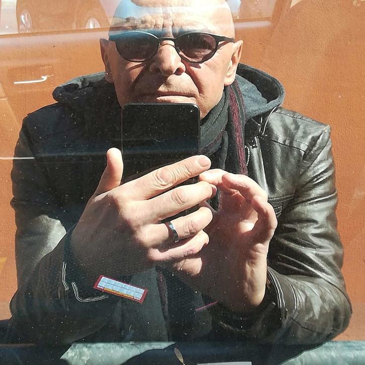 Giallo a Roma, trovato morto in casa il regista tv Massimo Manni