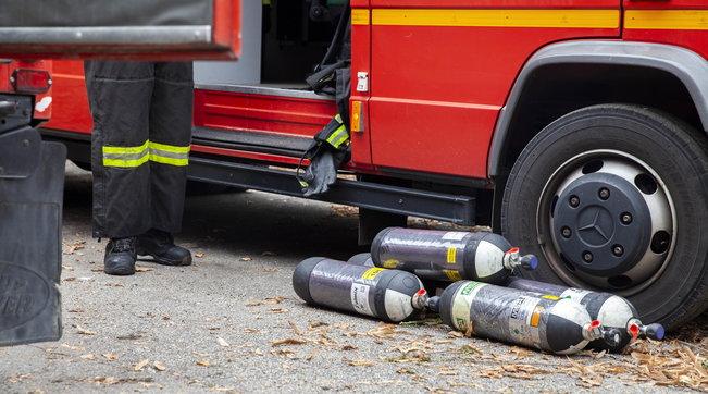 Incendio nell'ex Sniadi Varedo (Monza):bruciano tonnellate di rifiuti