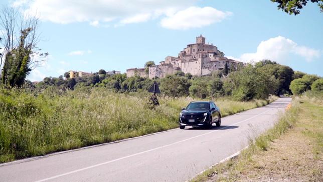 Il viaggio in Umbria di Peugeot 2008