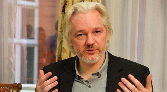 """Caso Assange, media: """"La Cia lo voleva rapire e assassinare"""""""