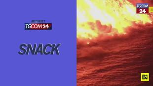La Palma, continua l'eruzione del Cumbre Vieja: la lava arriva in mare