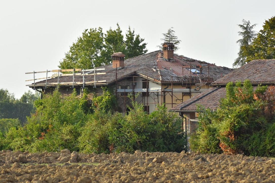 Reggio Emilia, cade dall'impalcatura: morto un operaio 56enne
