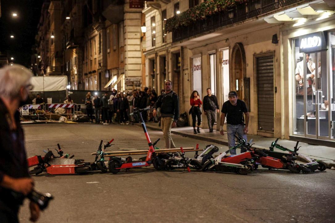 Proteste Green pass, scontri a Roma