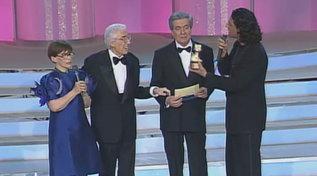 """La prima puntata di """"Norma e Felice"""" andava in onda 26 anni fa: ecco il Telegatto a Bramieri e Valeri"""