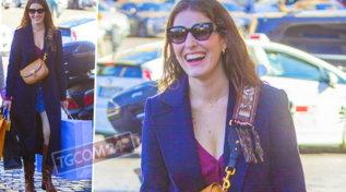 Diana Del Bufalo carica di sacchetti, che felicità fare shopping!