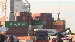 Green pass, la protesta dei portuali di Genova