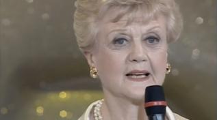 """Buon compleanno Angela Lansbury: ecco il suo Telegatto per """"La signora in giallo"""""""