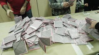 Elezioni comunali, si torna al voto per eleggere 65 sindaci | Alle 19 affluenza al 26,71%, in calo