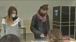 Amministrative, da Roma a Torino urne aperte per i ballottaggi