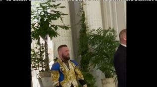 """Conor McGregor, """"Le Iene"""" messe alla porta dal bodyguard del pugile"""