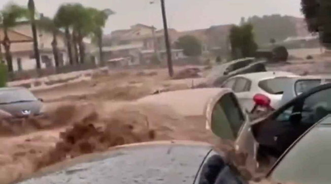 Maltempo, a Scordia (Catania) le strade diventano fiumi di fango