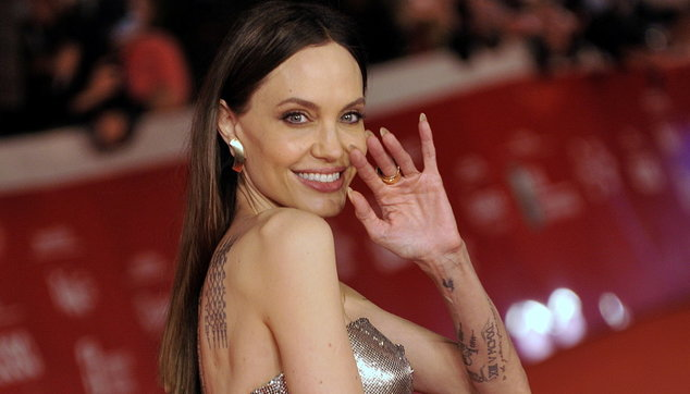Angelina Jolie illumina il red carpet della Festadel cinema di Roma