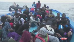 Gli sbarchi dei migranti non rallentano