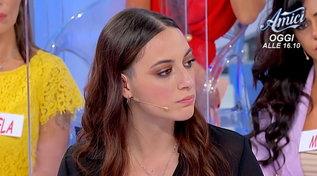 """""""Uomini e Donne"""", Luca non si presenta in studio e Roberta è categorica: """"Non fatelo tornare più"""""""