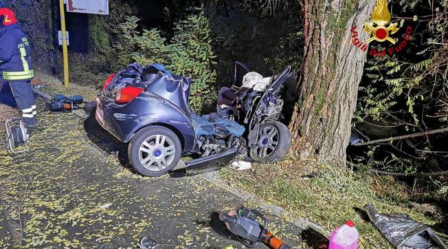 In auto contro un albero: tre giovani morti nel Rodigino