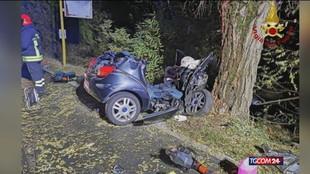 Rovigo, auto contro un platano: tre ragazzi morti e uno è grave