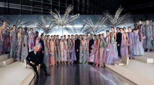Moda, Giorgio Armani: la sfilata e le star all'evento da sogno di Dubai