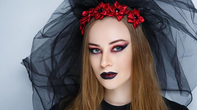 Halloween: tante idee beauty e make up per un look a prova di magia